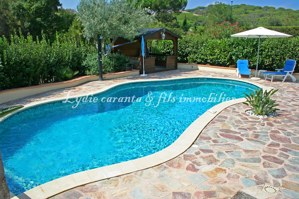 Vente vente haut de villa avec piscine et garage for Vente de piscine
