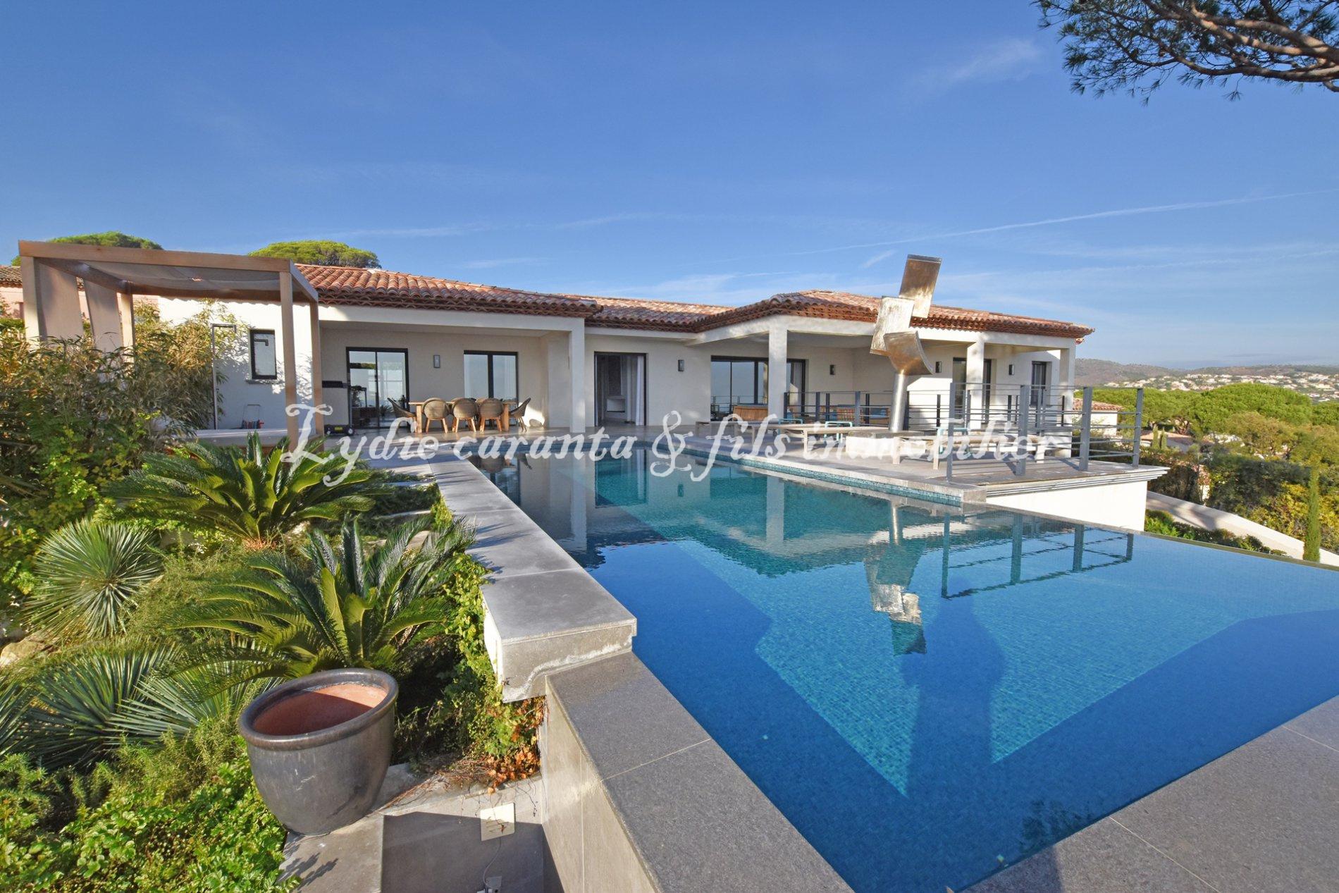 Vente Villa Prestige Vue Mer Sainte-Maxime avec piscine et prestations de  luxe